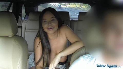 p1338_big_tits_american_fucks_in_public_720